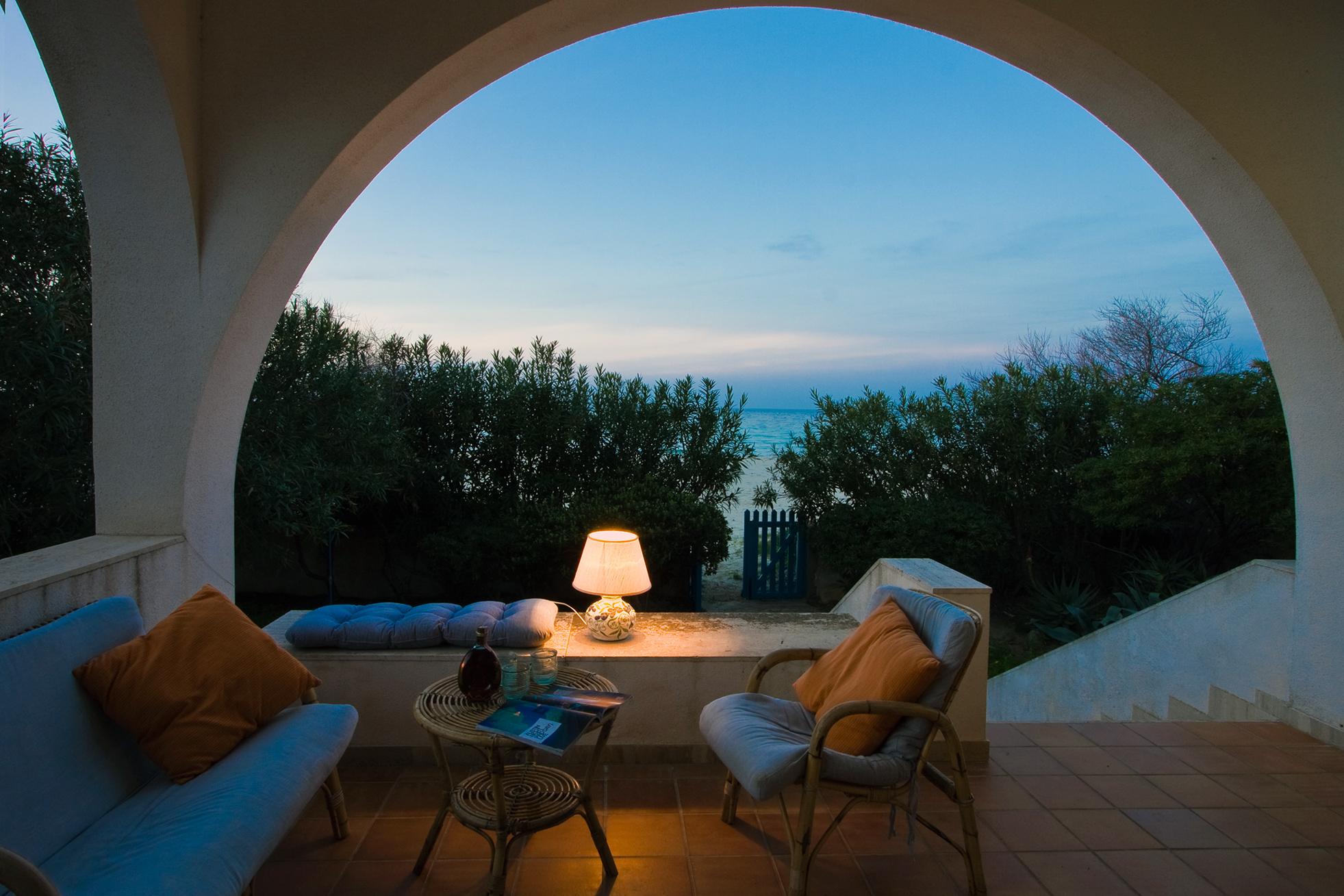 Villa firriato ville sul mare for Ville lussuose interni